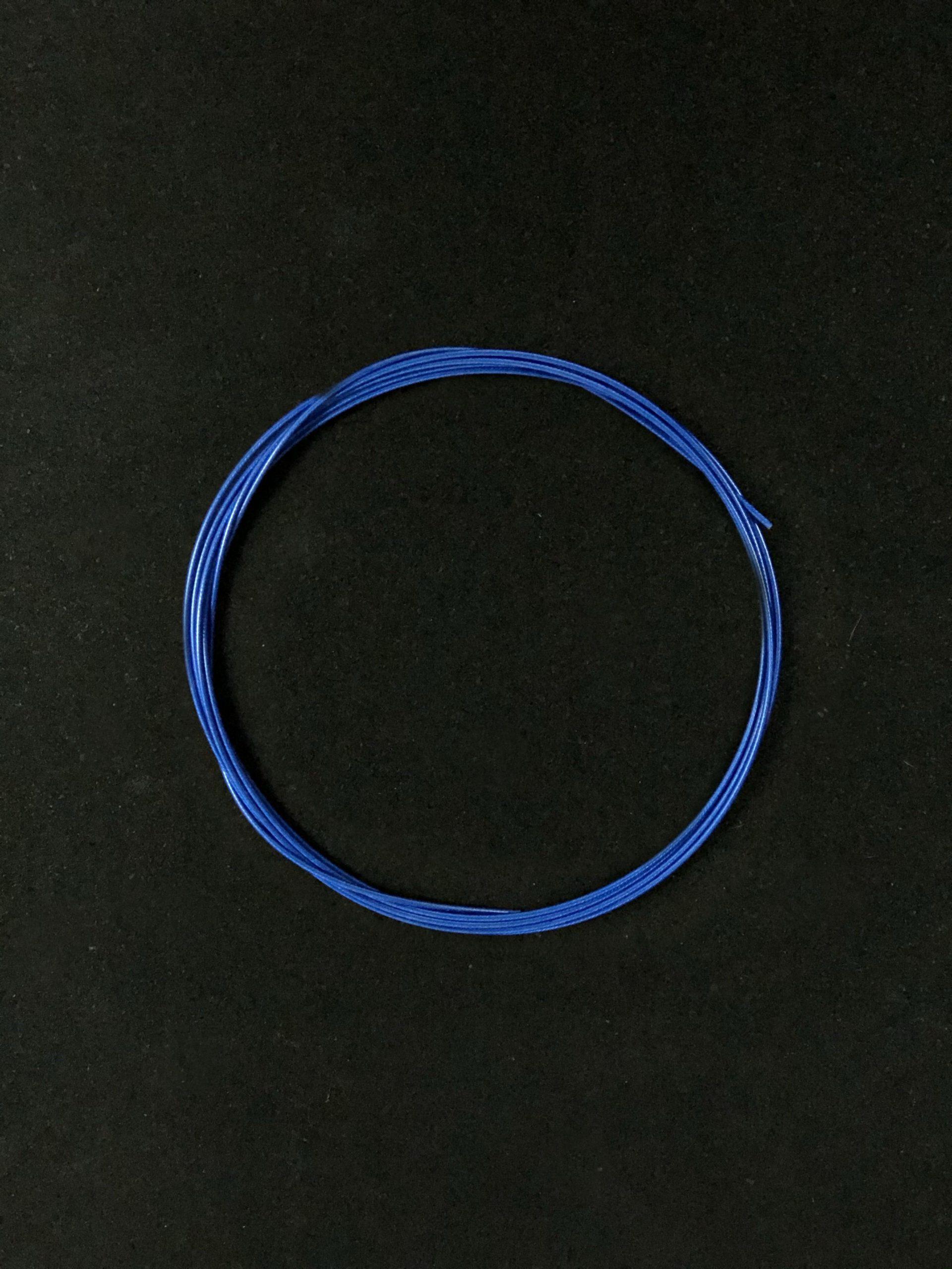 wyn-cable-blue