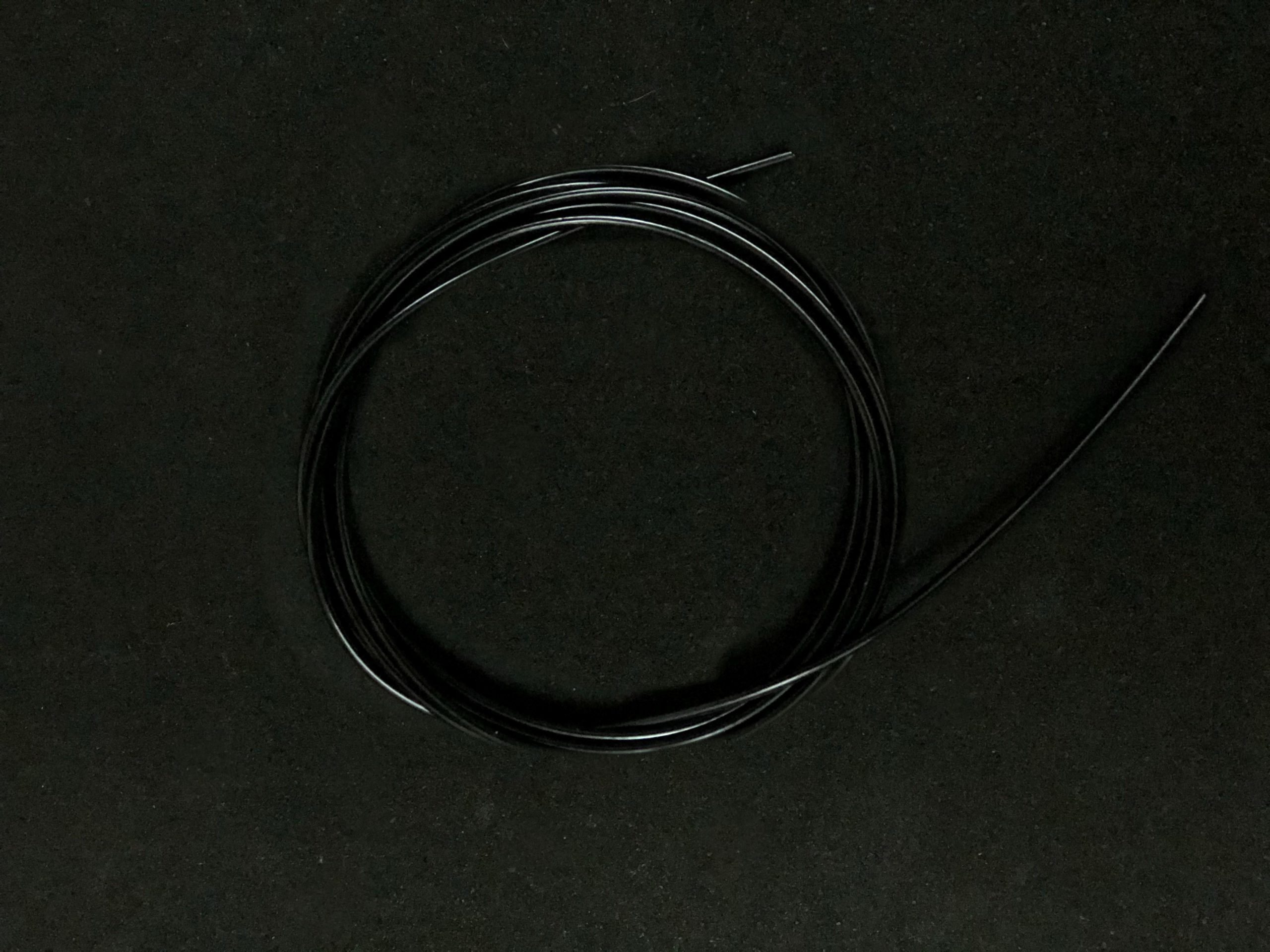 wyn-hcable-black-mobile