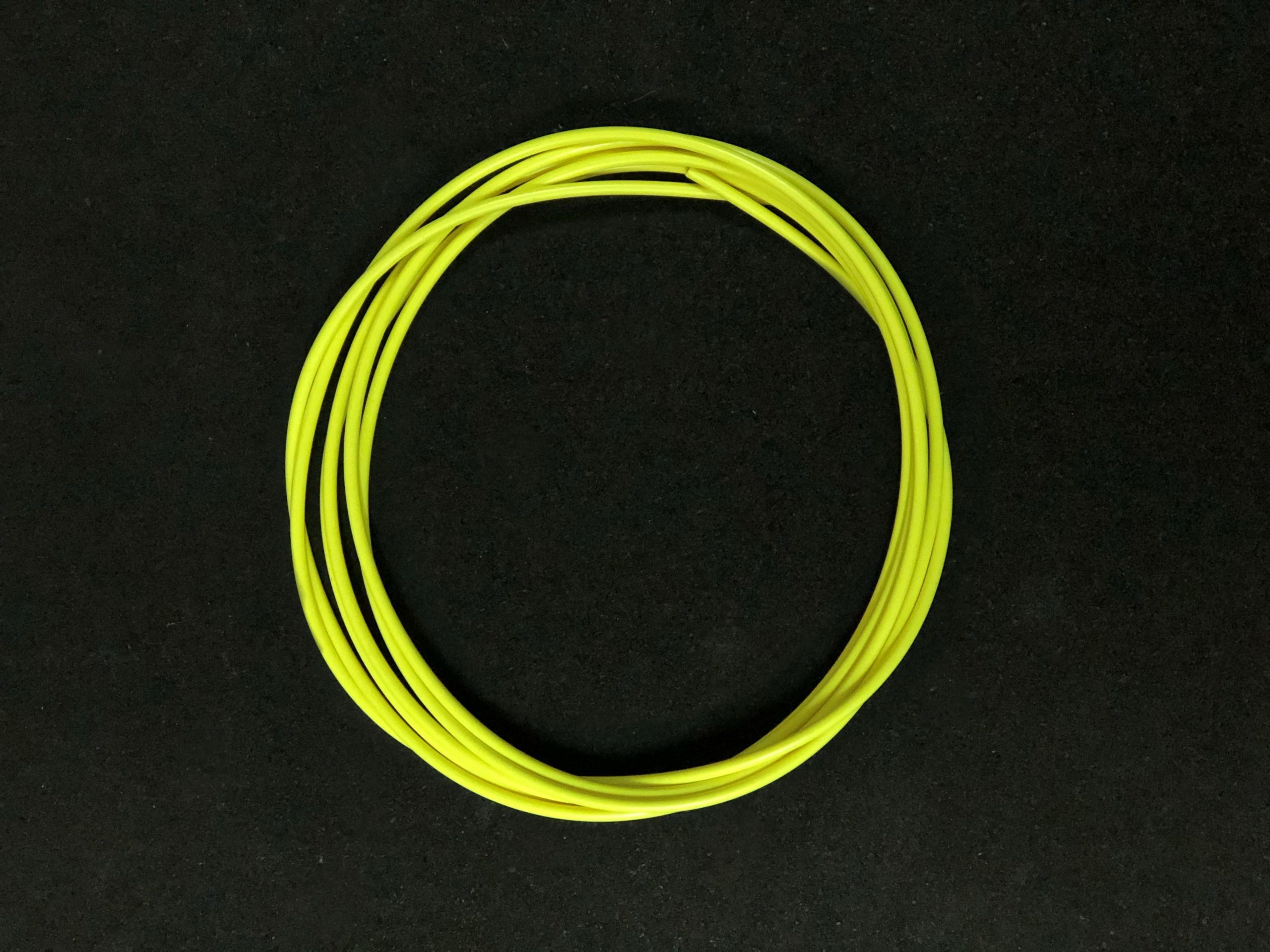 wyn-hcable-yellow-mobile